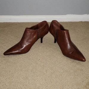 Nine West Booties Ankle Boots Zippeted Sz. 7 Brown